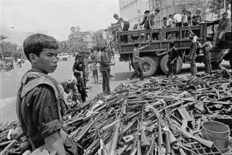 cambodia the rise of the khmer rouge On april 17, 1975, pol pot led the communist forces of the khmer rouge into the capital city of phnom penh, beginning a vicious four-year regime in cambodia.