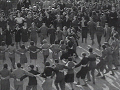Zionist dancing in Munkács