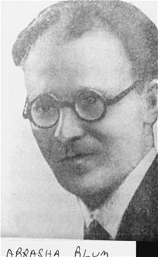 Abraham Blum, chef du Bund (Parti socialiste juif) et membre de l'organisation juive de combat (ZOB). Blum participa au soulèvement du ghetto de Varsovie. Pologne, entre 1940 et 1943.