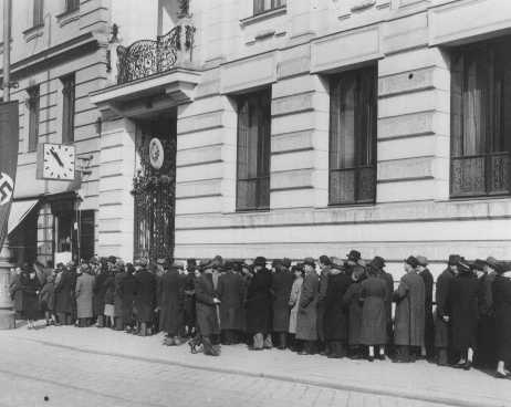 Jews seeking emigration visas line up in front of the Polish consulate in Vienna. Austria, March 22, 1938.