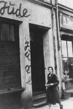 Antisemitic graffiti on a Jewish-owned shop. Danzig, 1939.
