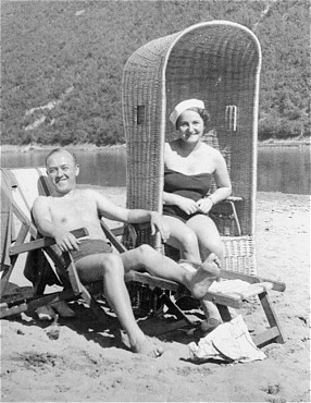 Sophie's parents, Daniel and Laura Schwarzwald, pictured on a beach in Zaleszczyki, Poland, shortly after they were married. Poland, 1935.