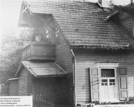 Located on Ulica Stara (Old Street), outside the Vilna ghetto, this building was used as a safe house by the ghetto resistance. Vilna, after July 1944.