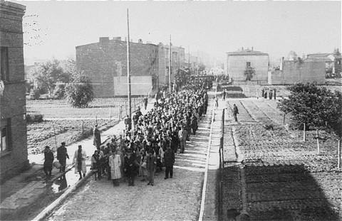 Déportation des Juifs du ghetto de Lodz. Pologne, août 1944.