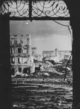 A Polish town in ruins after six years of war and German occupation. Poland, 1945.