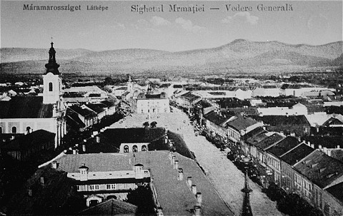 Prewar view of the Transylvanian town of Sighet.