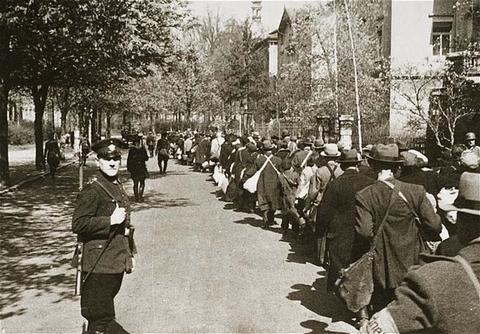 Deportación de los judíos de Wuerzburg. Alemania, 1942.