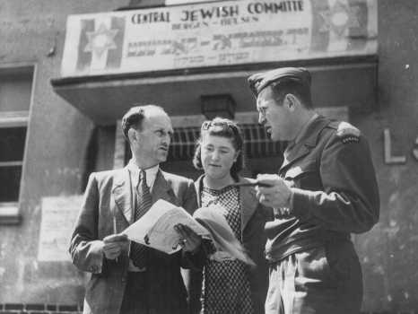 David Wodlinger, a Canadian Joint Distribution Committee representative, meets with members of the Central Jewish Committee of displaced persons. Bergen-Belsen displaced persons camp, Germany, between 1946 and 1948.