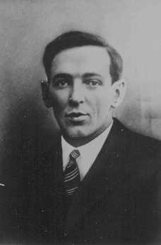 Xaver Franz Stuetzinger, a member of the Communist Party of Germany, was tortured by the SS at Dachau concentration camp. He died in May 1935 without divulging his connections. Germany, before May 1935.