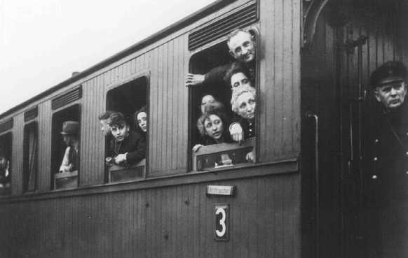 Deportación de judíos a Riga, Letonia. Bielefeld, Alemania, 13 de diciembre de 1941.
