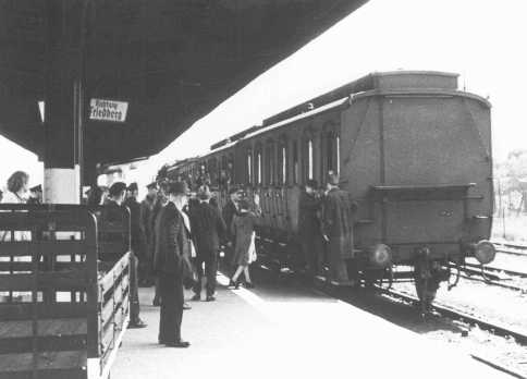 Deportation of German Jews from Hanau to Theresienstadt. Hanau, Germany, May 30, 1942.