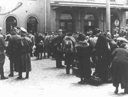 Deportation of German Jews from the train station in Hanau to Theresienstadt. Hanau, Germany, May 30, 1942.