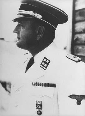 Le lieutenant-colonel SS Arthur Roedl, commandant du camp de concentration de Gross-Rosen. Gross-Rosen, Allemagne, entre le 1er mai 1941 et le 15 septembre 1942.