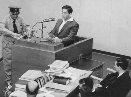 Abraham Lewenson testifying at the trial of Adolf Eichmann. Jerusalem, Israel, June 2, 1961.