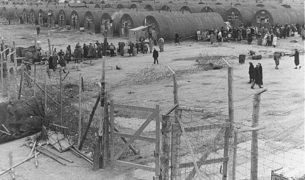 Dernier groupe de réfugiés juifs européens quittant un camp de détention britannique pour Israël. Chypre, 10 février 1949.