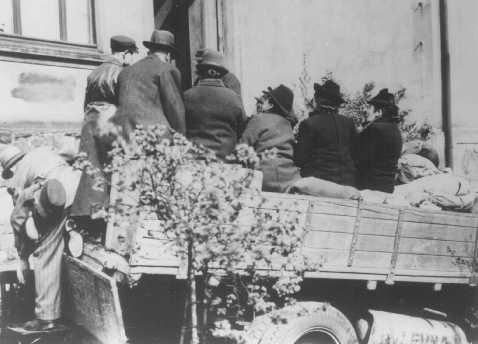 Deportation of the last Jewish inhabitants of Hohenlimburg. Germany, April 23, 1942.