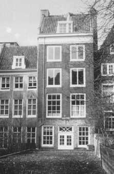 پرنسینگراخٹ 263 پر موجود گھر جہاں فرینک اور اُس کا خاندان چھپا رہا۔ ایمسٹرڈیم، نیدرلینڈ۔