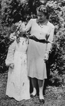 Selma Schwarzwald and her mother, Laura, in Busko-Zdroj on the occasion of Selma's first communion in 1945. Selma and Laura lived under false identities. Sophie had gradually forgotten that she was Jewish and did not learn of her Jewish identity until after the war. Busko-Zdroj, Poland, 1945.