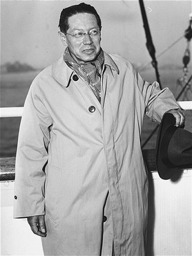 Lion Feuchtwanger aboard the ship Excalibur, arriving in New York. October 1940.