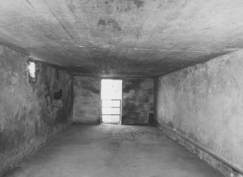 Interior de una cámara de gas del campo Majdanek. Majdanek, Polonia, después del 24 de julio de 1944.