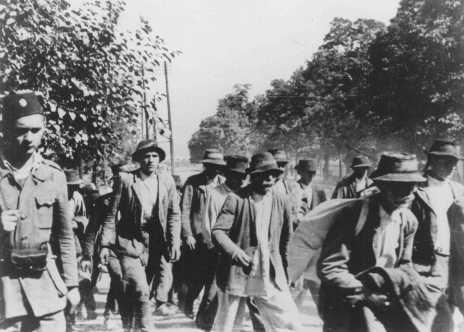 Déportation vers le camp de Jasenovac. Yougoslavie, probablement en 1942.