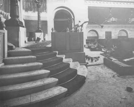 La Nouvelle Synagogue de Trieste, inaugurée en 1912 et profanée par les nazis le 18 juillet 1942. Trieste, Italie, 18 juillet 1942.