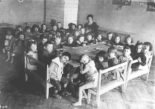 One of the many Jewish schools established by the Joint Distribution Committee in central and eastern Europe for children who had lost their parents during World War I. Rovno, Poland, after 1920.