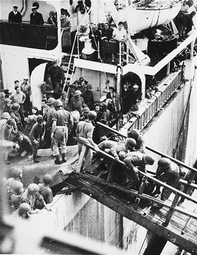 "British soldiers remove Jews, passengers of the ""Exodus 1947"" who were forcibly returned from Palestine, upon their arrival in Hamburg. Germany, September 8, 1947."