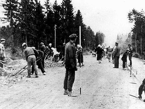 Polish forced laborers construct a highway in Germany. Place uncertain, 1941.