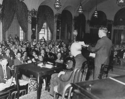 The American Jewish Congress holds an emergency session following the Nazi rise to power and subsequent anti-Jewish measures. United States, May 1933. Courtesy of Sheila Tenenbaum.