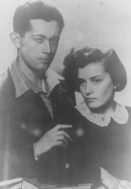 Shimshon and Tova Draenger, members of the underground in the Krakow and Warsaw ghettos and partisans in the Wisnicz Forest. Krakow, Poland, date uncertain.