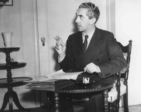 Ernst Toller, German dramatist and revolutionary, emigrated from Germany to other European nations and then to the United States. New York, United States, May 1939.
