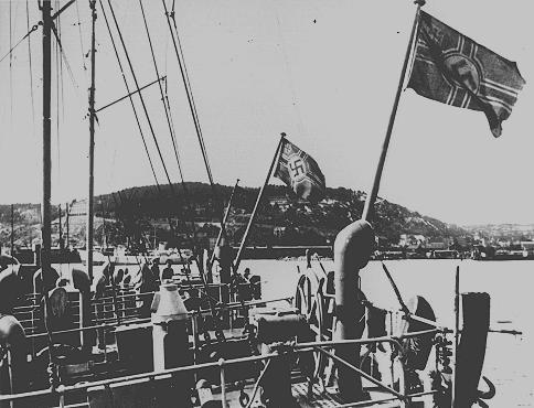Navires allemands dans un port norvégien. Norvège, 3 mai 1940.