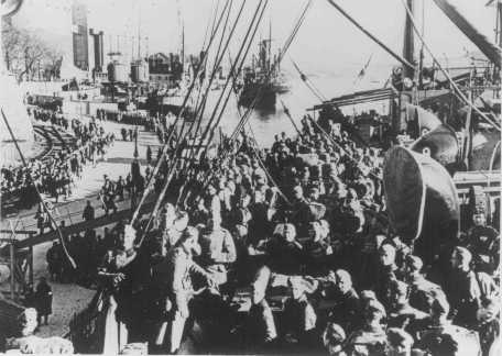 German troops disembarking in Norway. May 3, 1940.