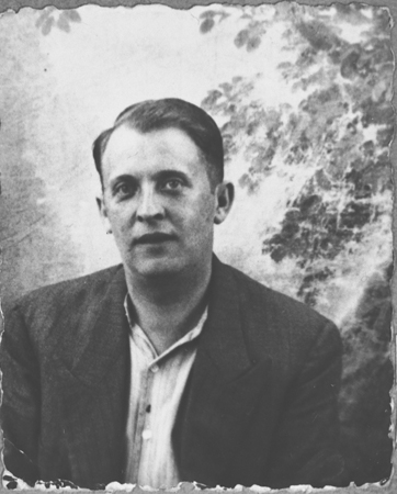 Portrait of Lazar Ischach, son of Yosef Ischach. He was a grocer and lived at Drinska 77 in Bitola.