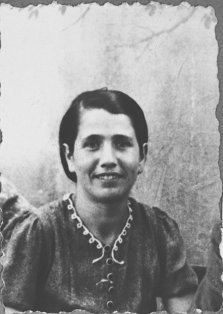 Portrait of Sara Ischach, wife of Lazar Ischach. She lived at Drinksa 77 in Bitola.