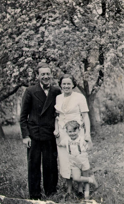 Three-year-old Thomas with his parents, Mundek and Gerda. Czechoslovakia, June 1937.