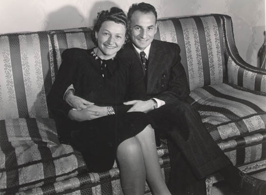 Aron and Lisa when they came to America. Probably Chicago, Illinois, 1947.