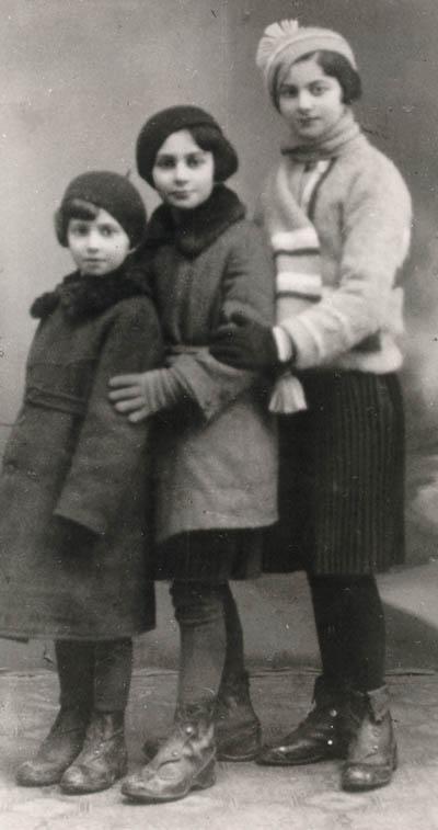 Regina (left) with sisters Krysia and Hania. Poland, ca. 1938.