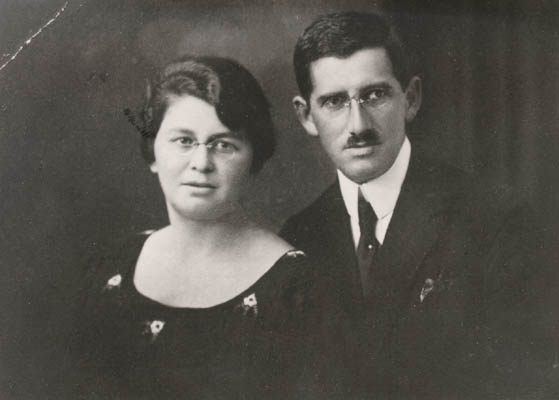Regina's parents, Pola and Isak. Poland, ca. 1934.