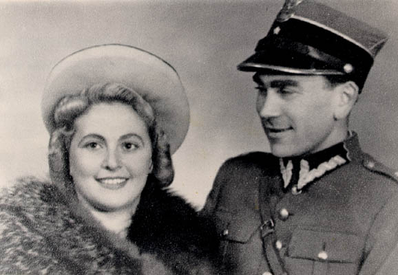 Norman Salsitz and Amalie Petranka shortly after they met (under their assumed identities of, respectively, Felicja Milaszewska and Tadeusz Zaleski). Krakow, Poland, March 15, 1945.