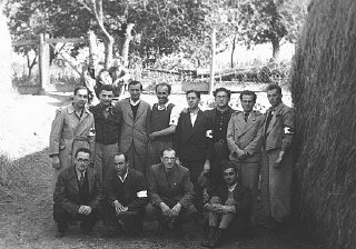 Twelve Hungarian Jewish physicians in the Iklad forced-labor...
