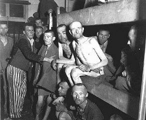 Survivants d'Ebensee, sous-camp du réseau de camps...