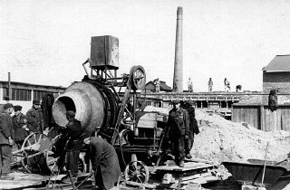 Construction de l'usine d'armements d'Oscar Schindler...
