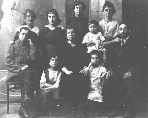 Portrait of a Jewish family. Pinsk, Poland, ca.