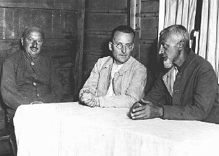Prisonniers politiques sociaux-démocrates dans le camp...