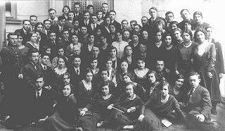 Graduates of the Piotrkow Trybunalski Hebrew Gymnasium...