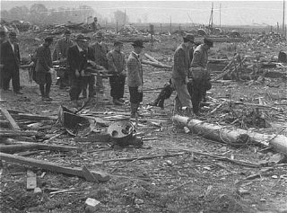 Après la libération de Dora-Mittelbau, les Allemands...