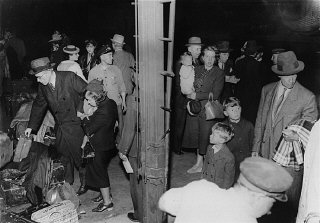 Refugiados judeus poloneses ao chegar a Lisboa