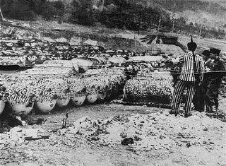 Détenus libérés du camp de concentration de Dora-Mittelbau...
